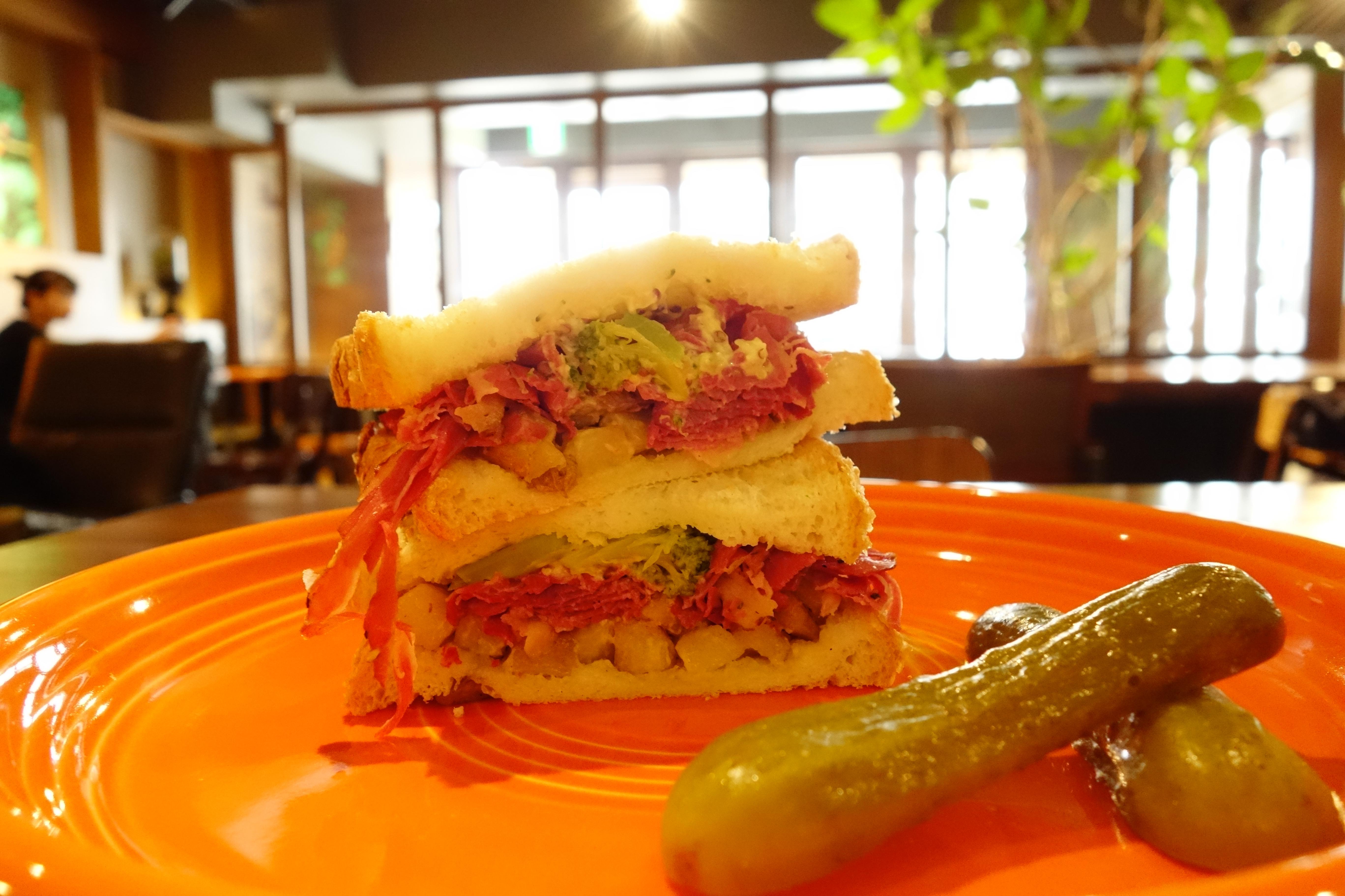 ビーフパストラミ&ローストビーフサンドイッチ