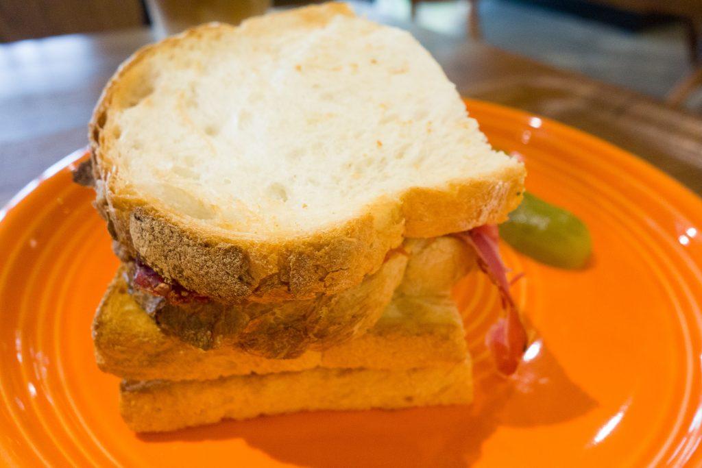 ローストビーフ&パストラミビーフサンドイッチ