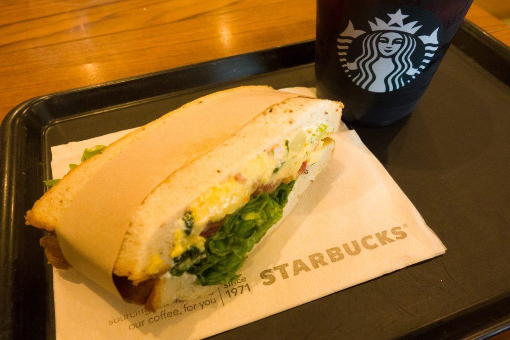 スタバ エッグサンドイッチ